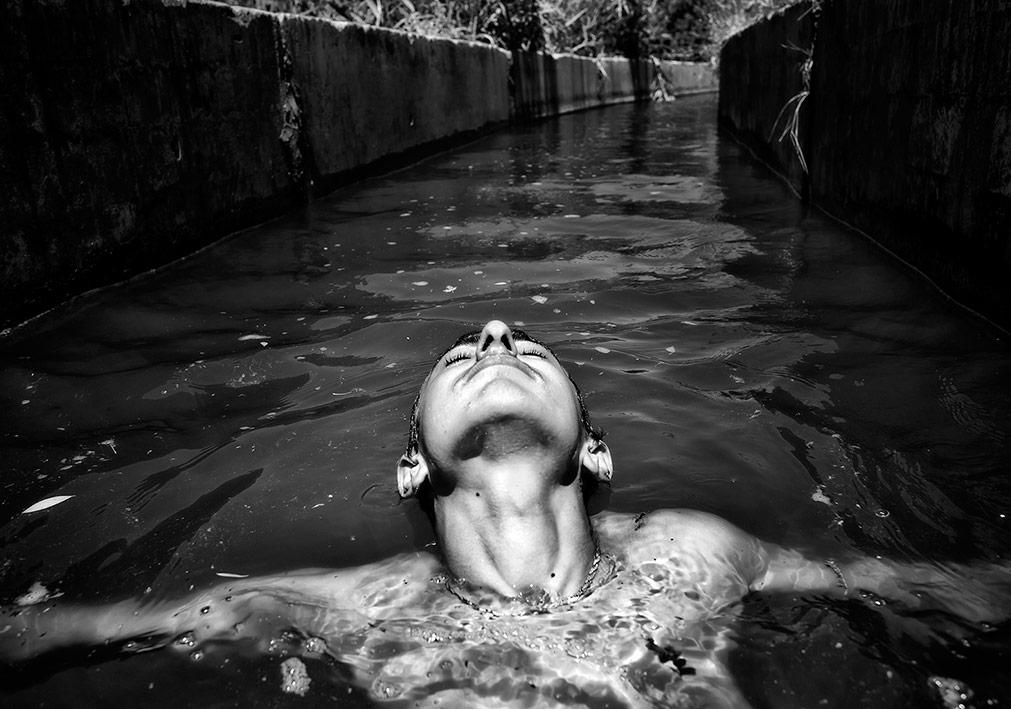 Ali Saltan, 'Nehrin Öteki Yakası' gösterisinden [II. Belgesel Fotoğraf Günleri]