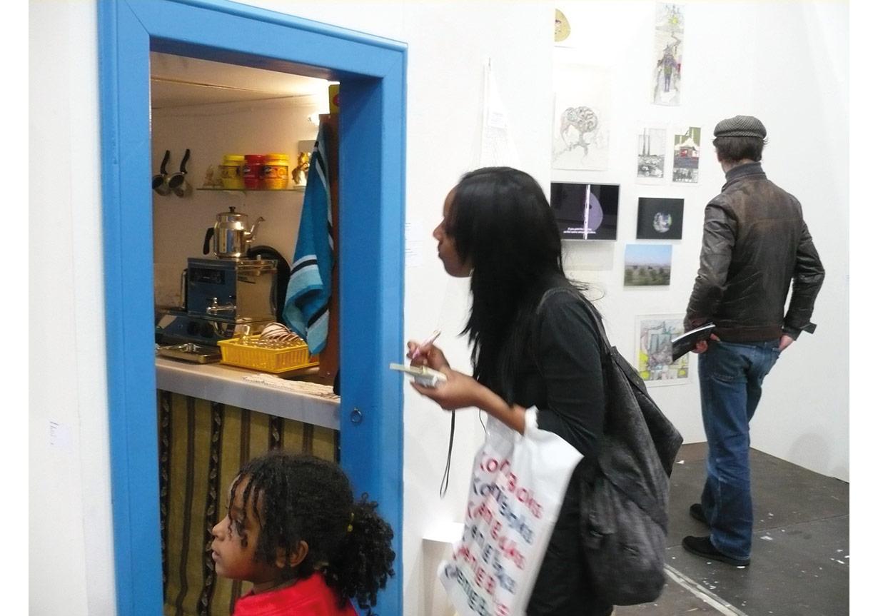 Diden Özbek, Çay Ocağı, Yerleştirmeden detay, 2008, Frieze Art Fair, Londra.