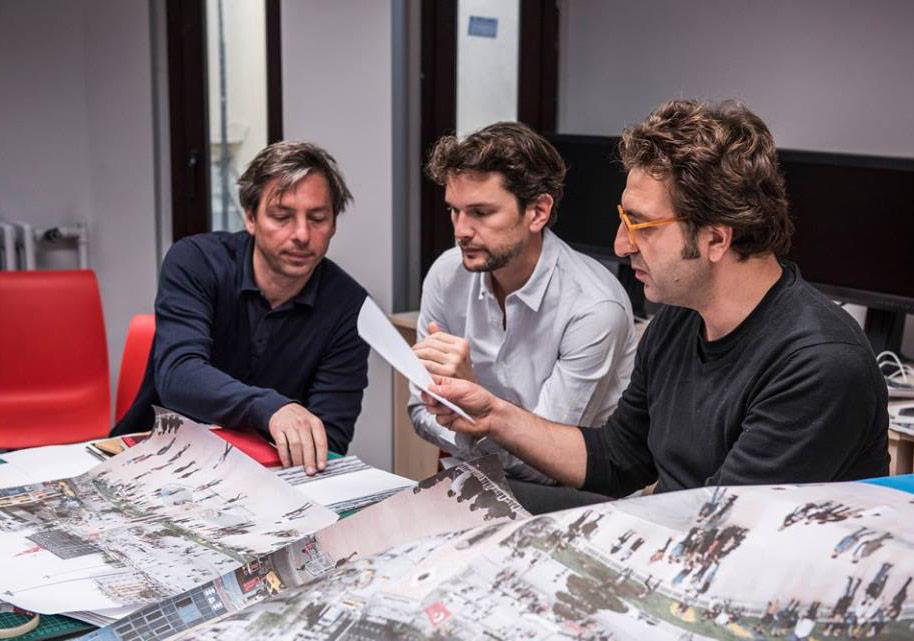 Matthieu Charon & Remi Faucheux'nun yürüttüğü FUAM'ın 'İş Bütününden Doğru Kitaba' başlıklı üçüncü fotoğraf kitabı atölyesinden © FUAM ekibi