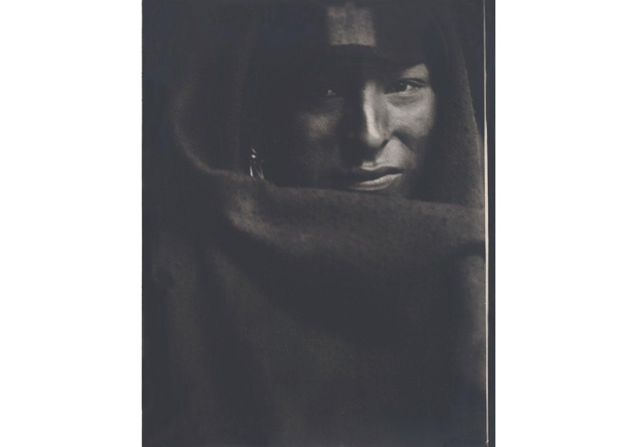 Gertrude Käsebier (1852-1934), Kızılderili Adam, 1900 © Dijital görüntü: The Museum of Modern Art, New York / Scala, Floransa