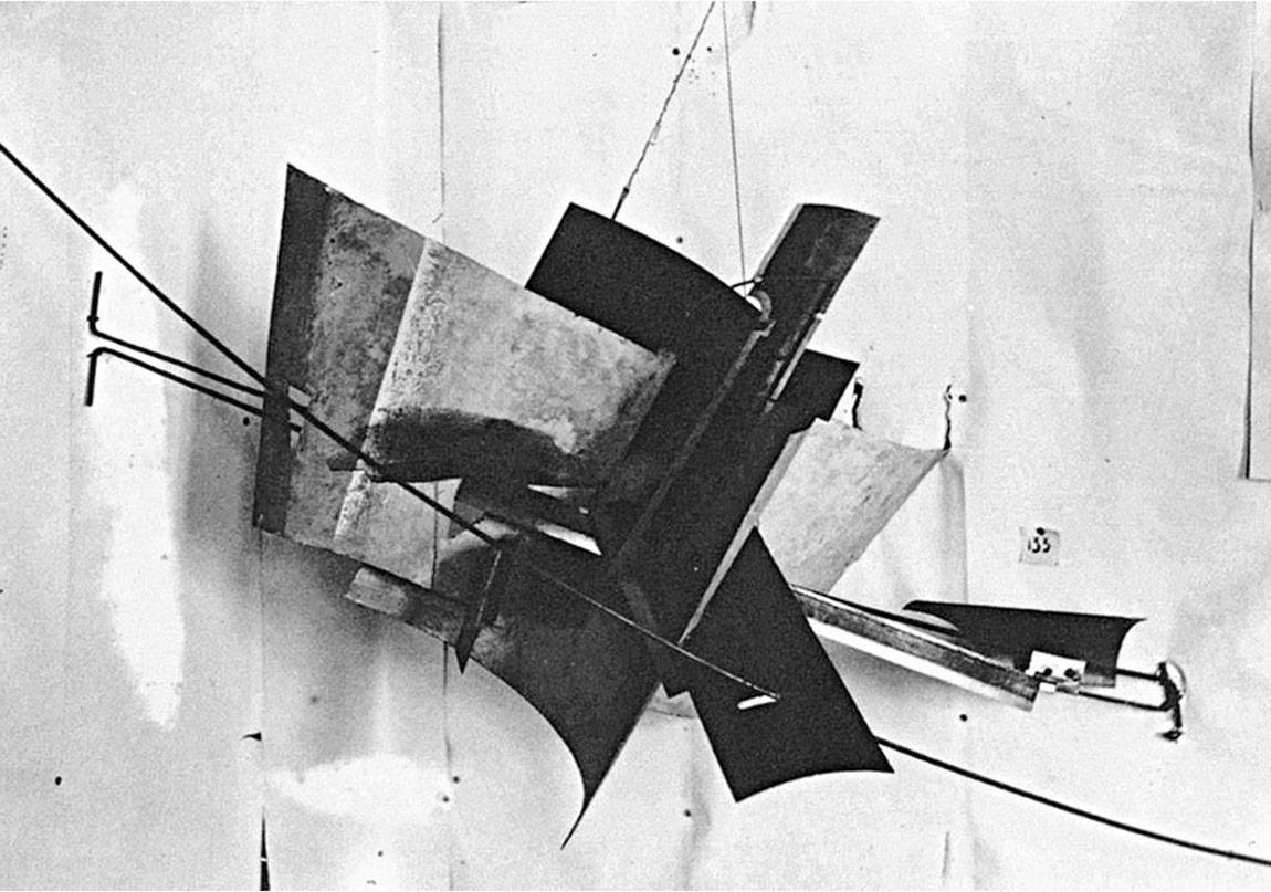 Tatlin- Karşıt Köşe Kabartması -1914