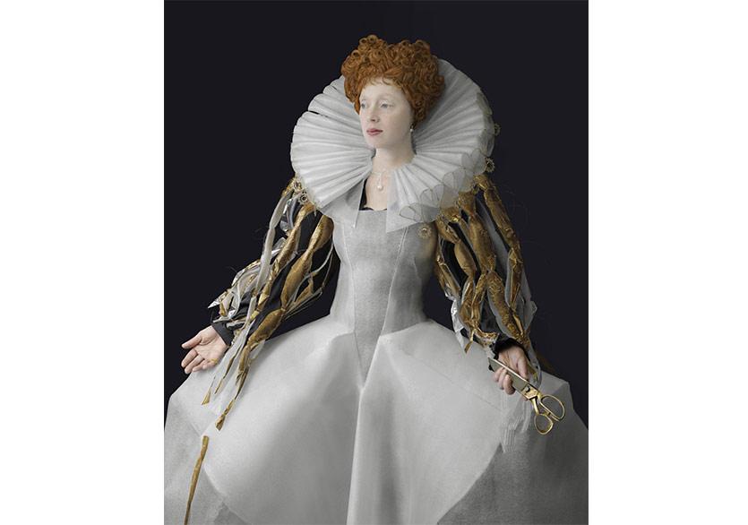 Plastik Malzemelerden Rönesans Kostümleri