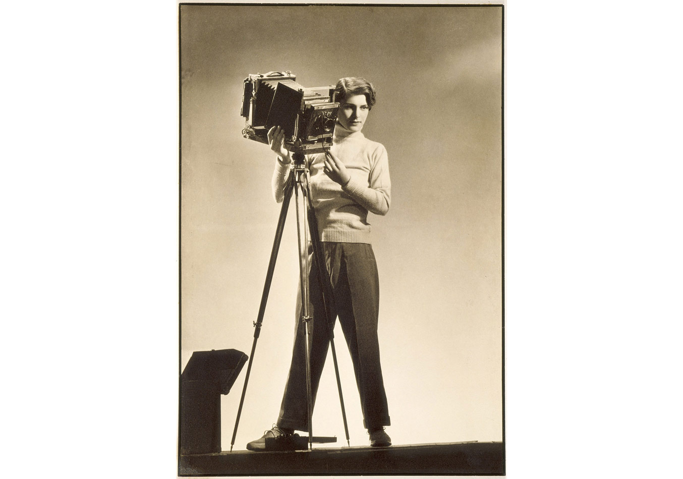 Margaret Bourke-White (1904-1971), Kameralı öz portre © Dijital görüntü: Museum Associates/LACMA/Art Resource NY/Scala, Floransa