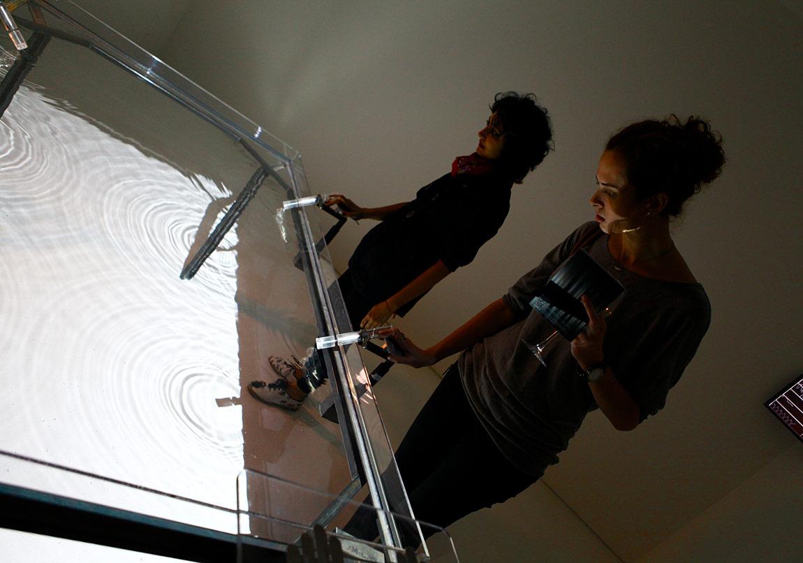 Rafael Lozano-Hemmer,Pulse Tank,2008