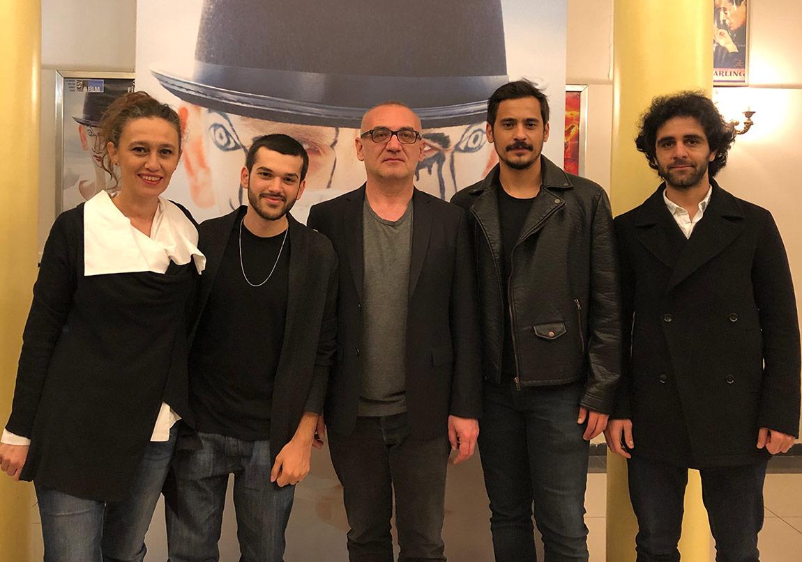 """Ömür Atay'ın Ödüllü Filmi """"Kardeşler"""" Vizyonda"""