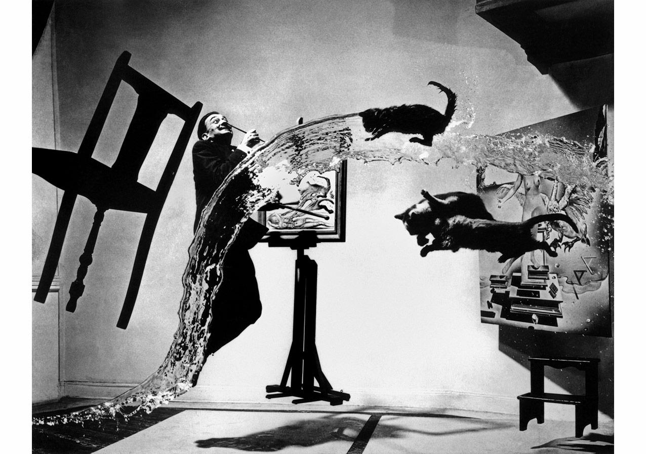 © Philippe Halsman/Magnum Photos,New York, ABD, 1948. Salvador Dali, İspanyol ressam. 'Dali-Atomicus'.
