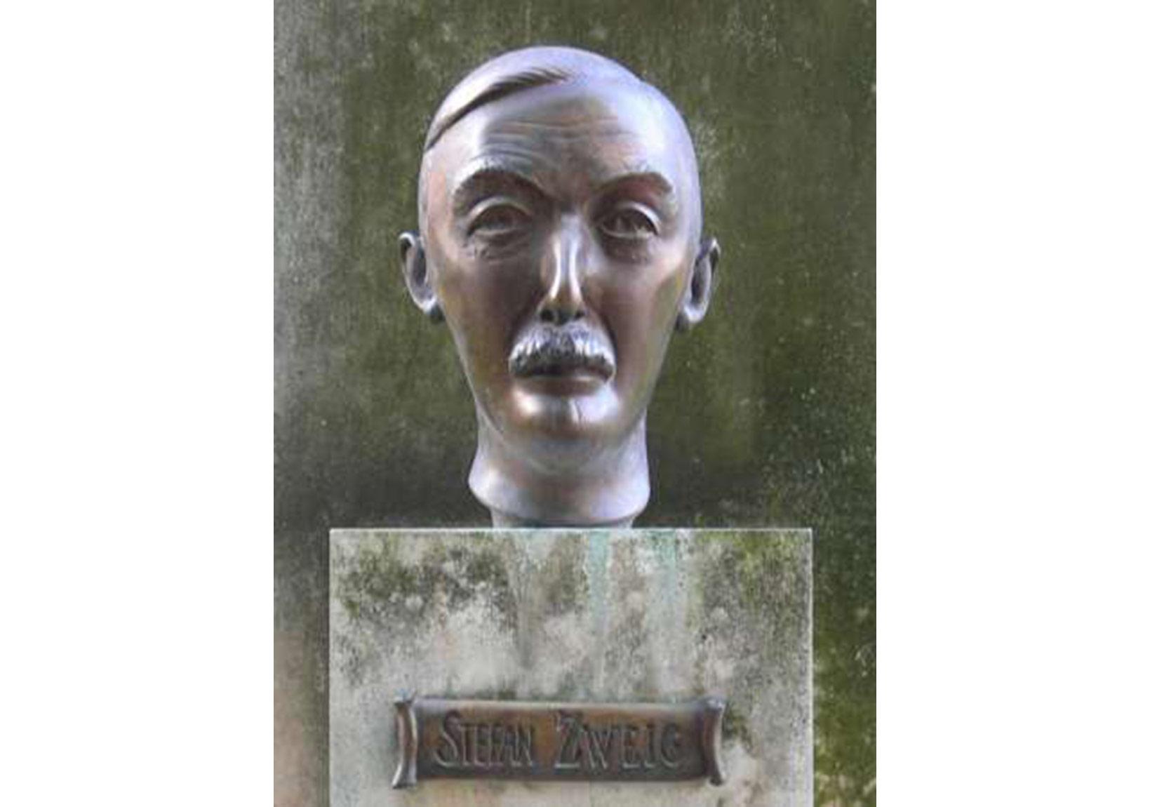 Stefan Zweig (Felix Schivo / Paris, Luxembourg Garden)