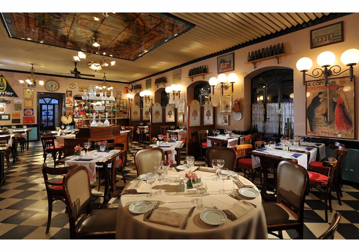 Cafe du Levant by Divan