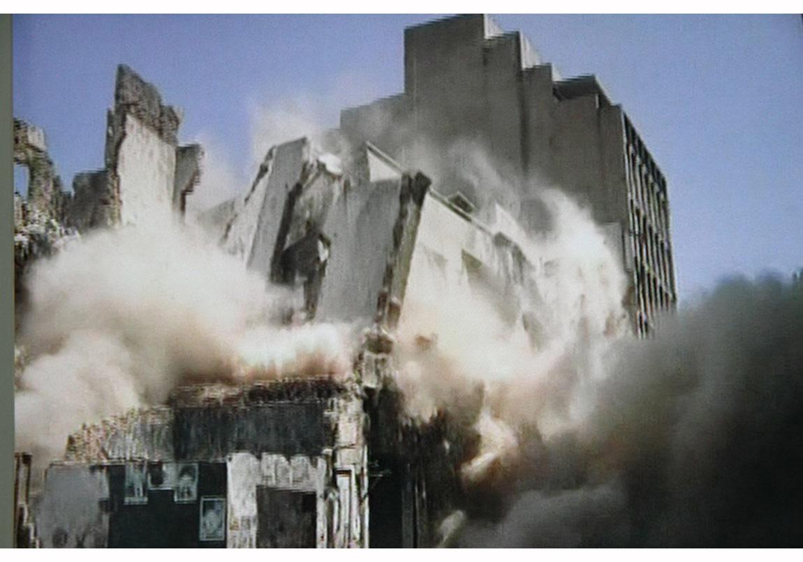 Old House [Eski Ev] (2006) videosundan görüntü Sanatçı ve Sfeir-Semler Gallery?nin (Beyrut/Hamburg) izniyle