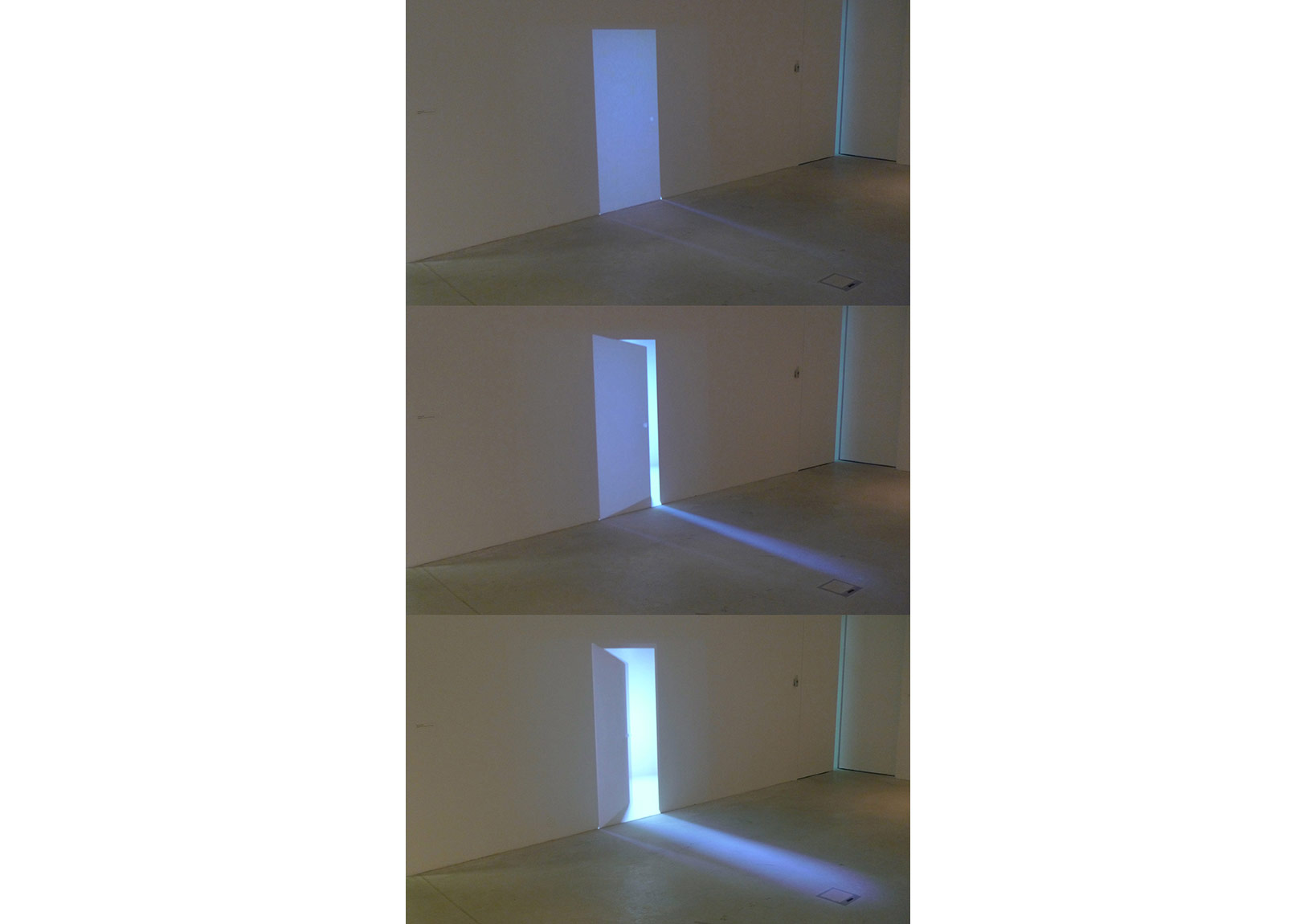 Doorway, 2015, 2 synchronized projections, 41 secs loop, ed.1-3 +AP
