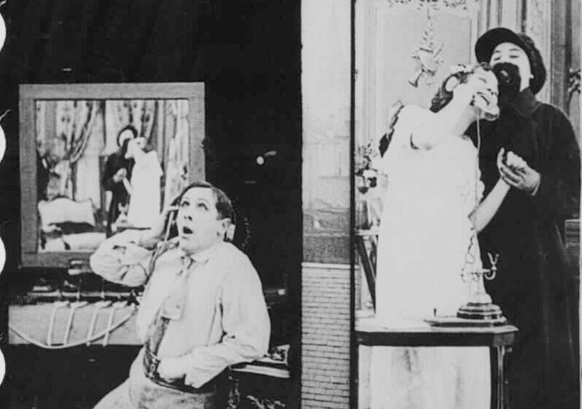 """""""Sinema'nın İlk Edepsiz Kadınları"""" Kundura Sinema'da"""