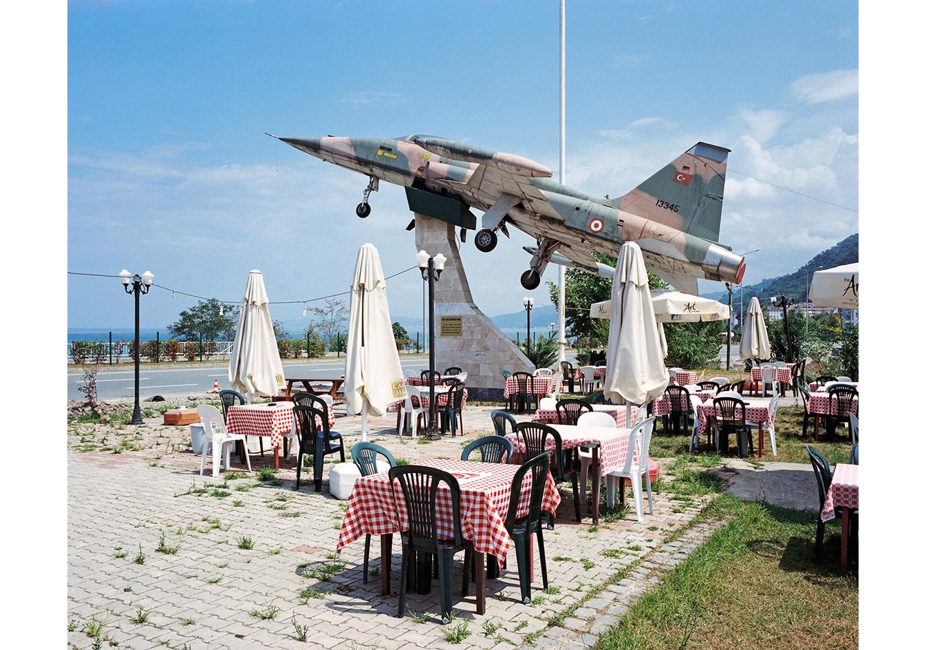 Karadeniz kıyısındaki bir restoranın terası, Gerze © Mathias Depardon
