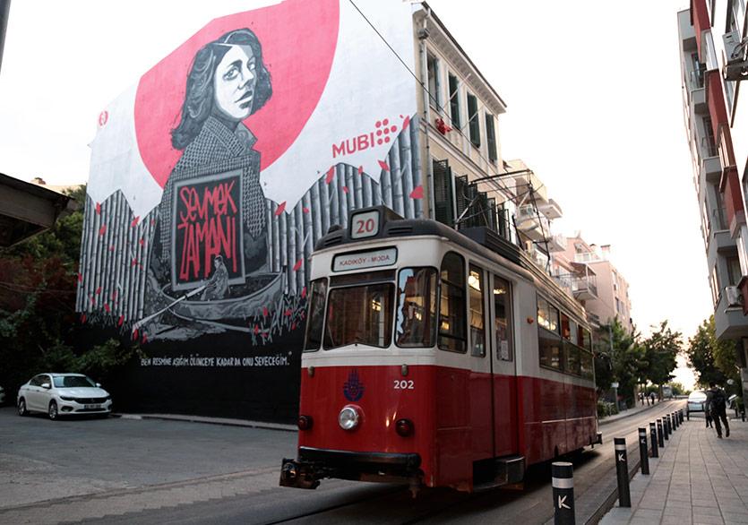"""""""Sevmek Zamanı"""" Kadıköy Sokaklarında"""