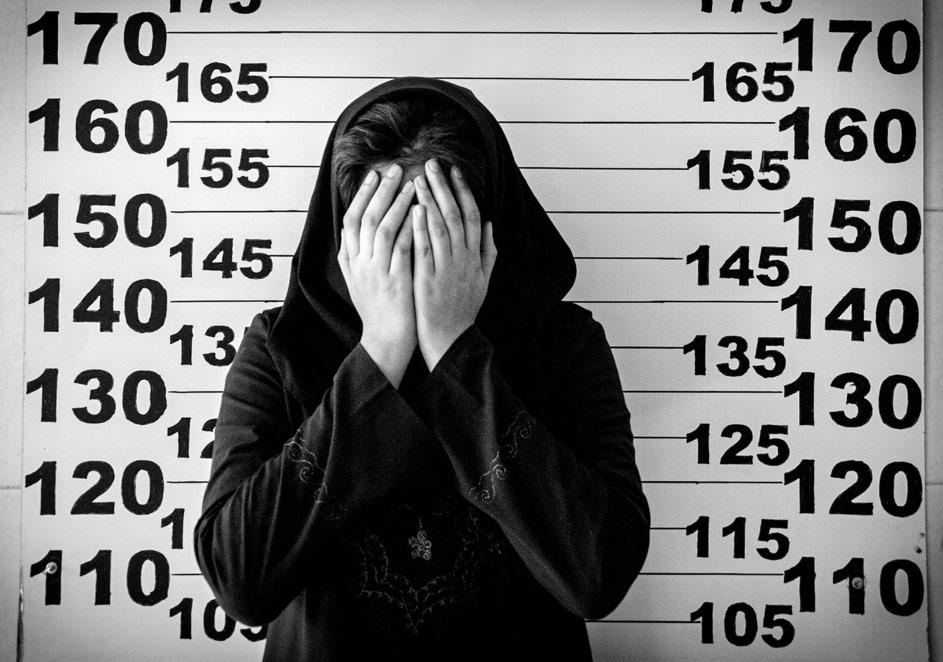 Sadegh Souri, 'Bekleyen Kızlar - İdamı Beklerken' gösterisinden
