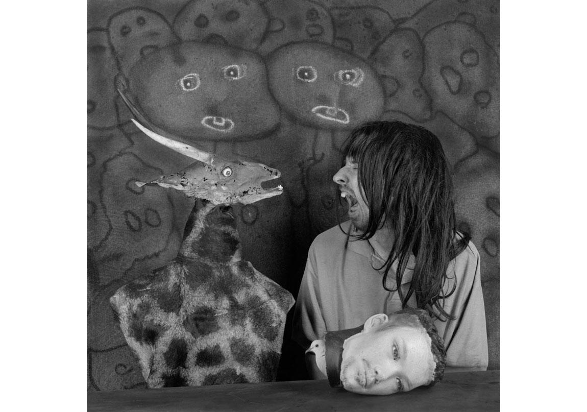 Altercation, 2012, Arşivsel pigment baskı, 90x90 cm, Ed.5 © Roger Ballen, Galerie Karsten Greve Köln, Paris, St Moritz izniyle