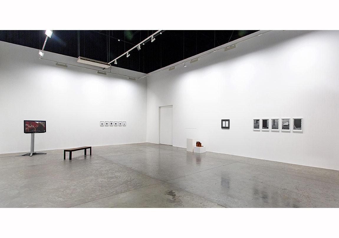 'Proposals on Monumentality', yerleştirme görüntüsü, Green Art Gallery, Dubai.