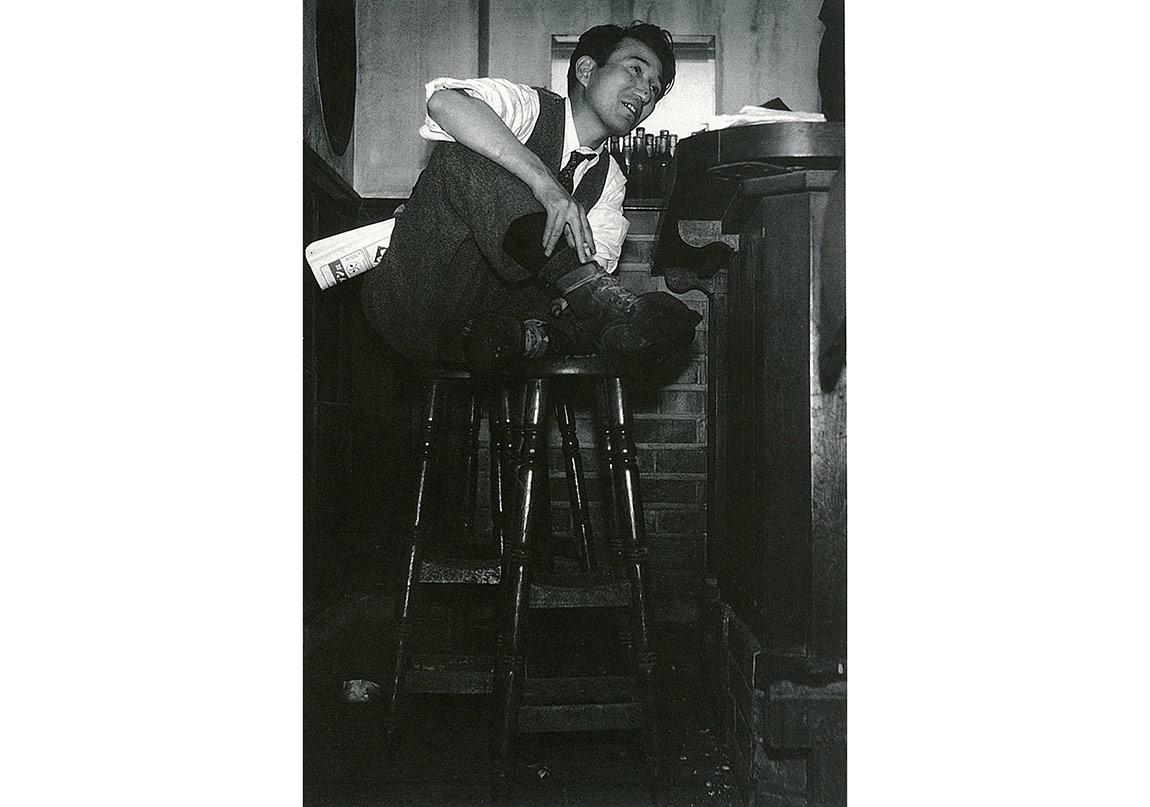 Osamu Dazai, photographed by Tadahiko Hayashi
