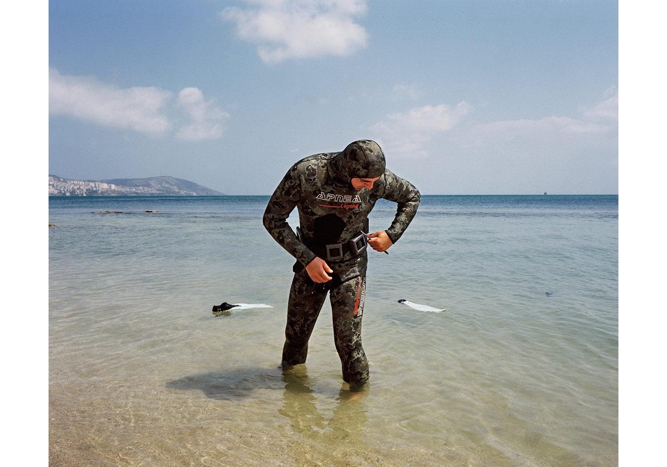 Dalmaya hazırlanan bir dalgıç, Sinop © Mathias Depardon