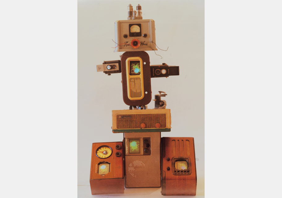 Nam June Paik, Techno Boy II, 2000