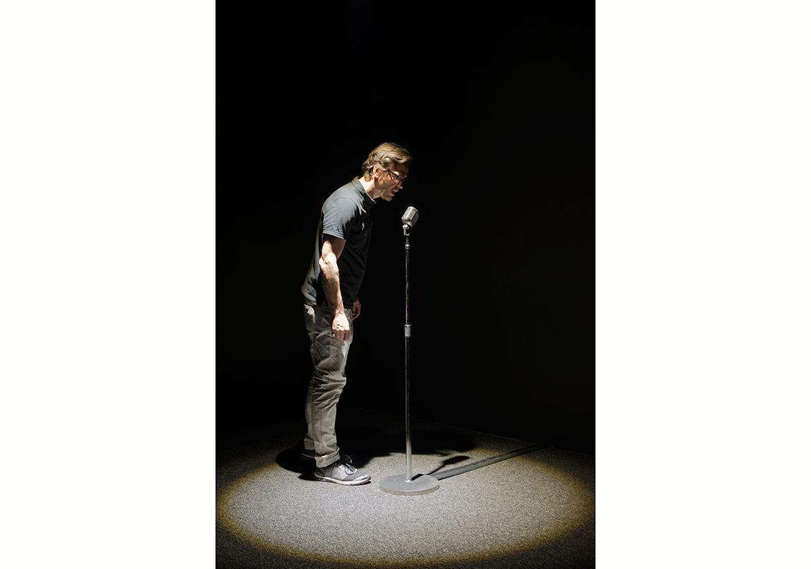 "Rafael Lozano-Hemmer, ""Microphones, Subsculpture 10"", 2008.Gösterildiği yer: Rafael Lozano-Hemmer: Preabsence, Haus der Elektronischen Künste Basel, Basel, Switzerland, 2016.Fotoğraf: Franz J. Wamhof."
