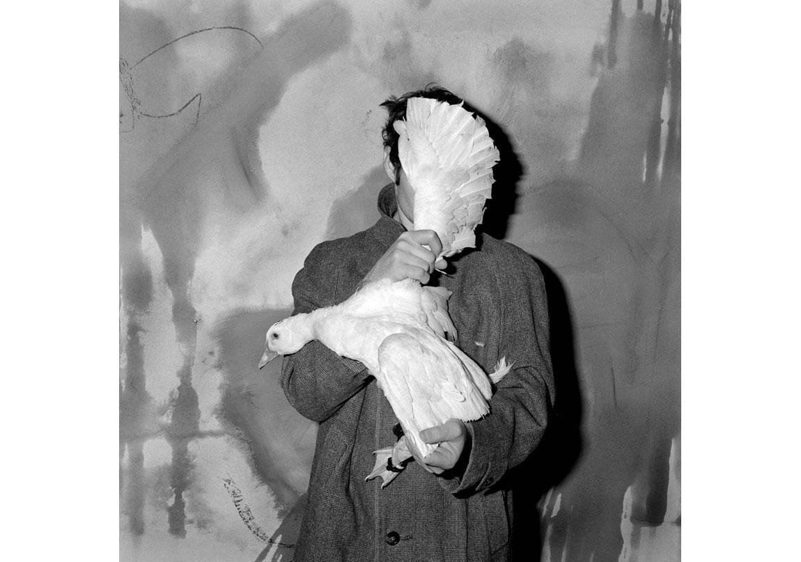 Blinded, 2005, Arşivsel pigment baskı, 90x90 cm, Ed.5 © Roger Ballen, Galerie Karsten Greve Köln, Paris, St Moritz izniyle