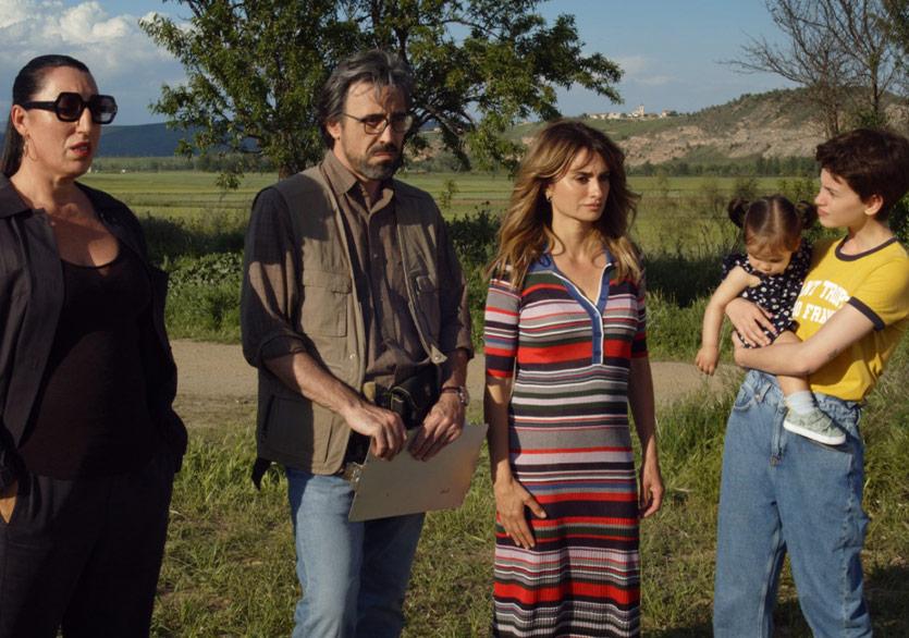 """Pedro Almodóvar'ın """"Madres Paralelas"""" Filminden İlk Görüntüler Yayımlandı"""