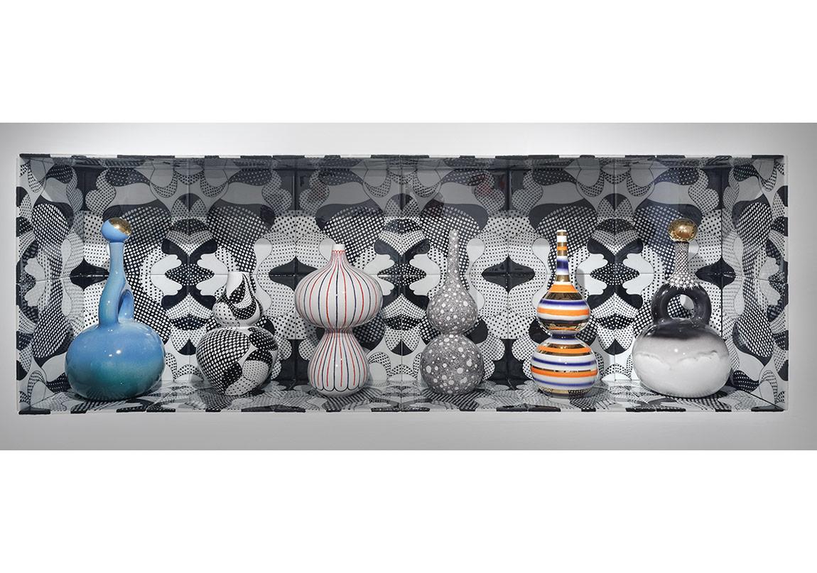 Elif UrasVenus Niche, 2016 underglaze painted stonepaste 179 x 29,5 x 59 cm