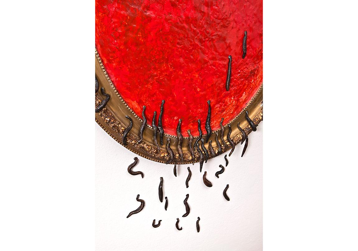 'Eski Bir Ayna', Alçı, yağlı boya, vernik, modelaj hamuru üzerine yağlı boya, çerçeve (detay), 120x80 cm,2016