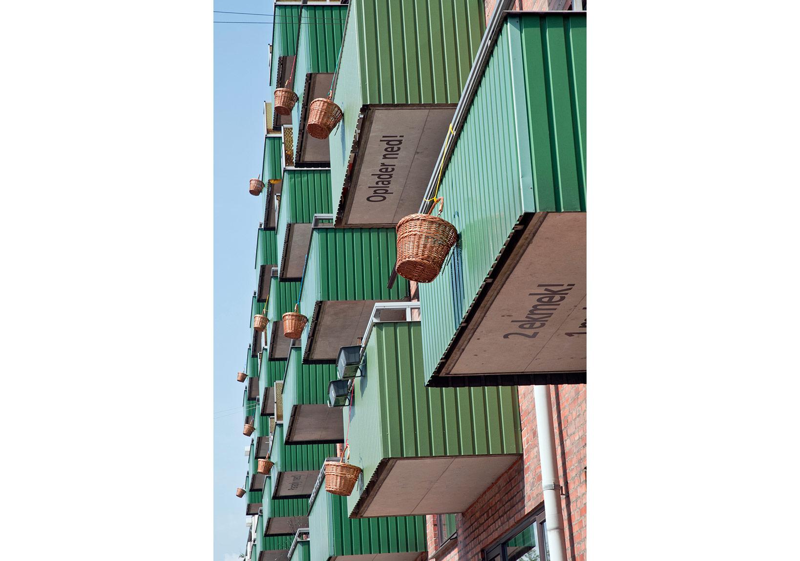 Didem Özbek, Oppe Nede,Yerleştirmeden detay, 2011, Lokal Global Plan, Kopenhag.