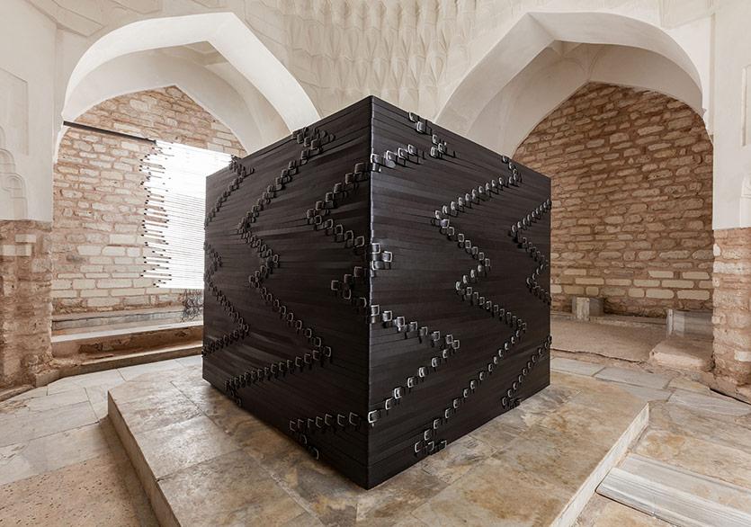 Monica Bonvicini, 2017, Hamam, 15th İstanbul BiennialCourtesy of the artist and Mitchell - Innes & Nash , New YorkFotoğraf: Sahir Uğur Eren