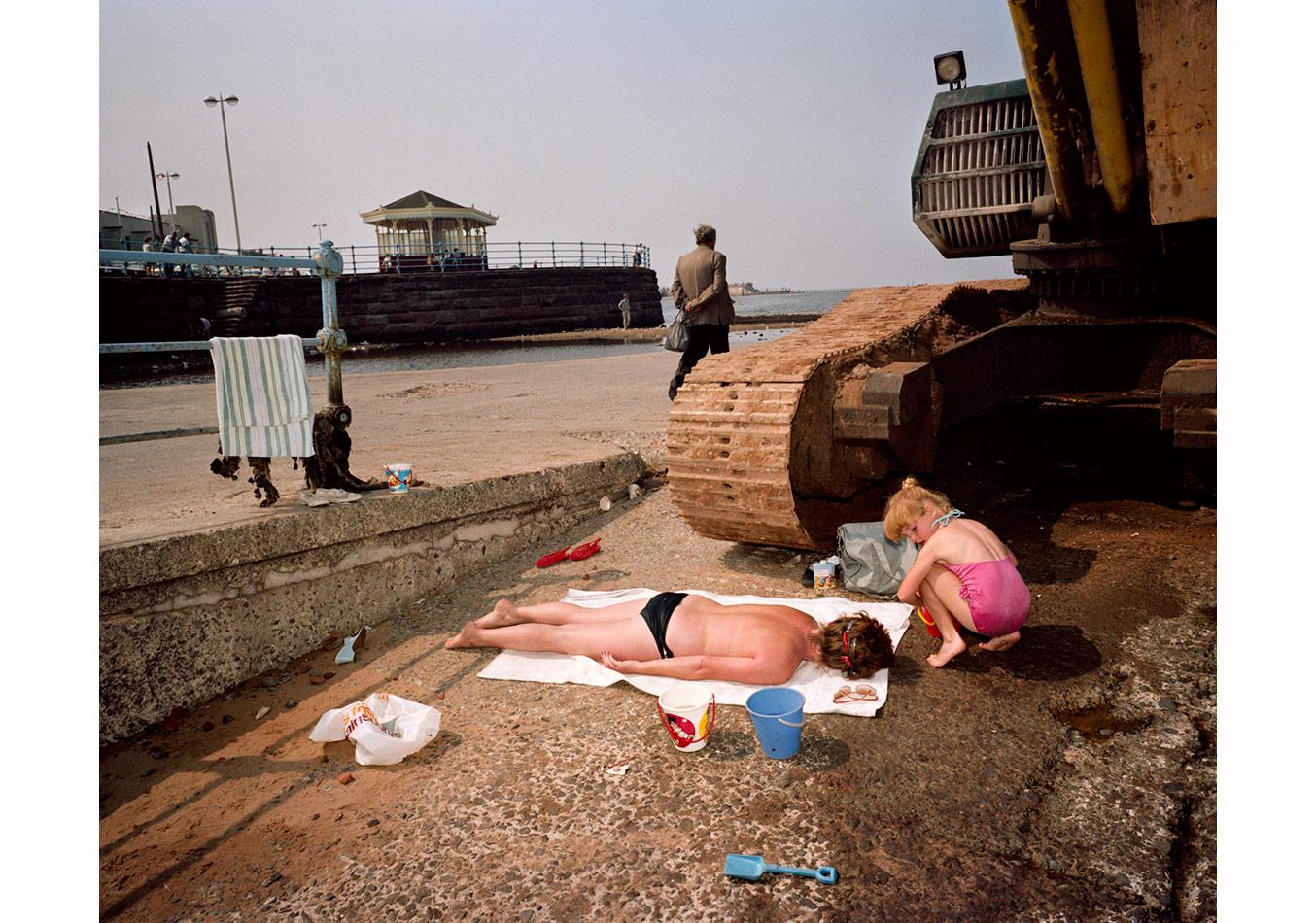 © Martin Parr /Magnum Photos,New Brighton, İngiltere, 1983-1985. 'Son Sayfiye' serisinden.