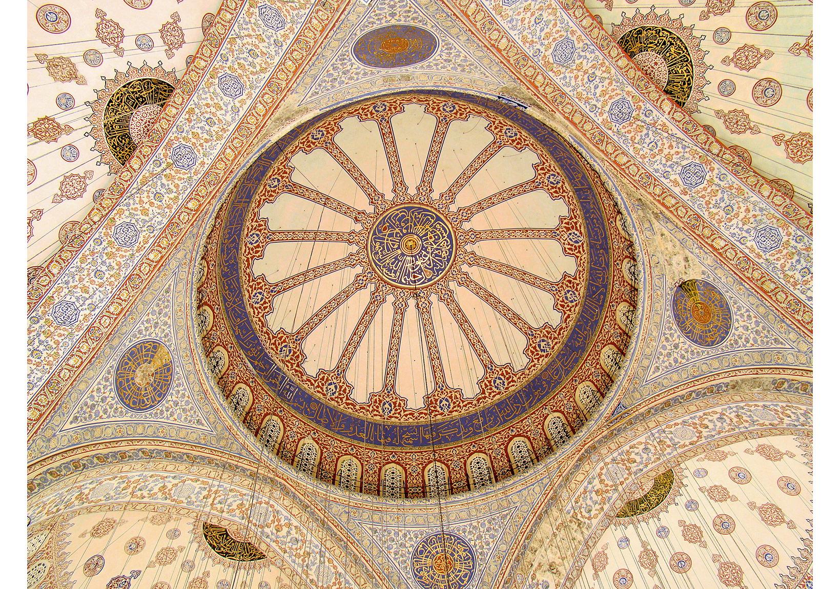 Sultan Ahmet Camii'nin kubbe ve tavan işlemeleri