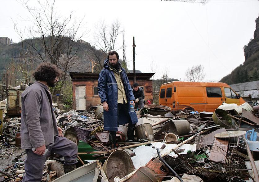 Erdem Tepegöz'den Yeni Film: Gölgeler İçinde