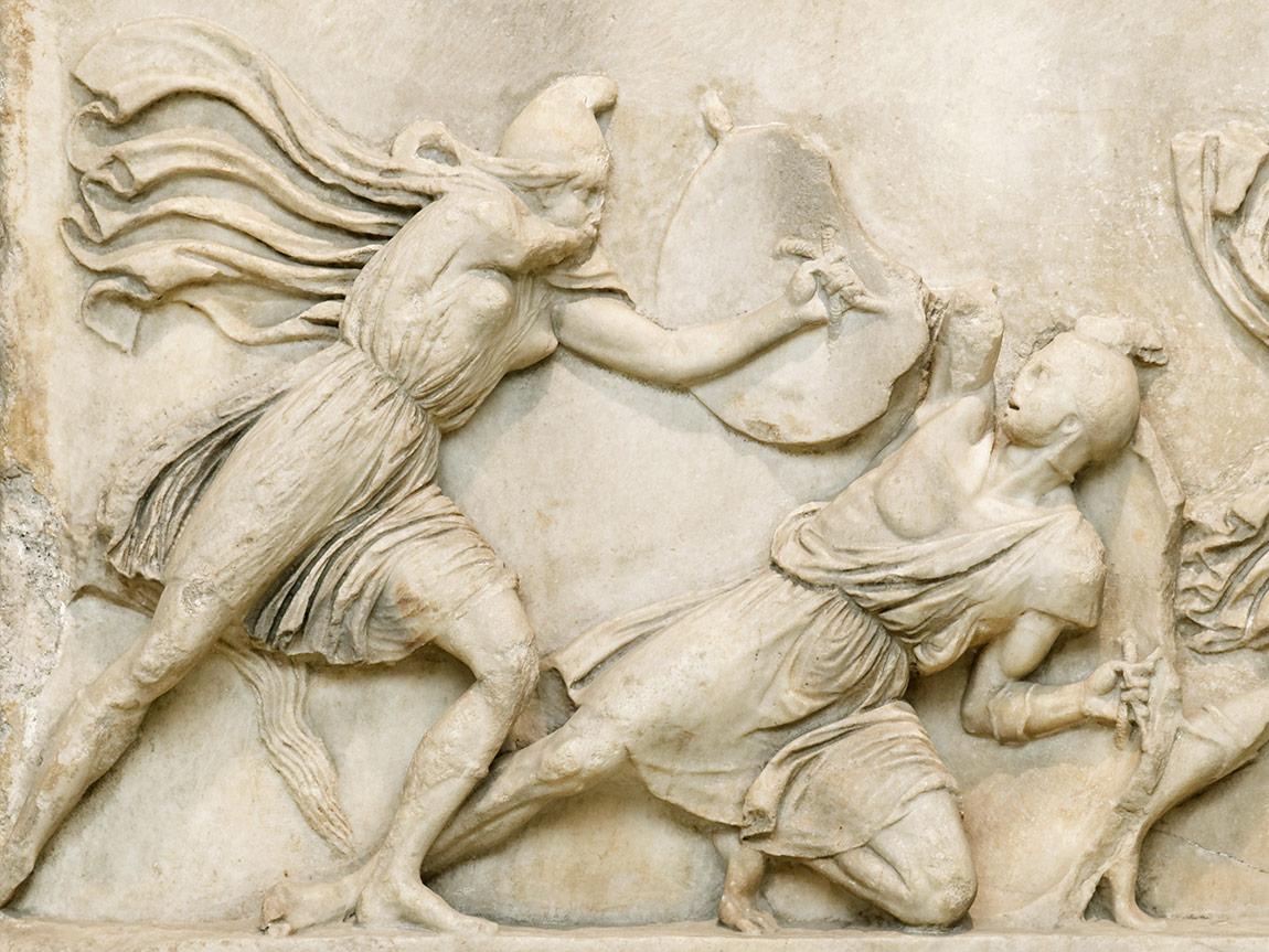 İngiliz elçi Lord Stratford Canning'in British Museum'a götürdüğü Halikarnossos Mozolesi'nin Amazon Frieze'i: Yunanlılar ile Amazonlar'ın mücadelesi, M.Ö. yaklaşık 350.
