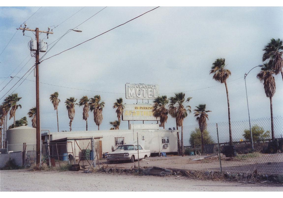 Untitled Picacho #8, 'Untitled USA' serisinden, 2011 © Matt Wilson, Galerie Les filles du calvaire izniyle