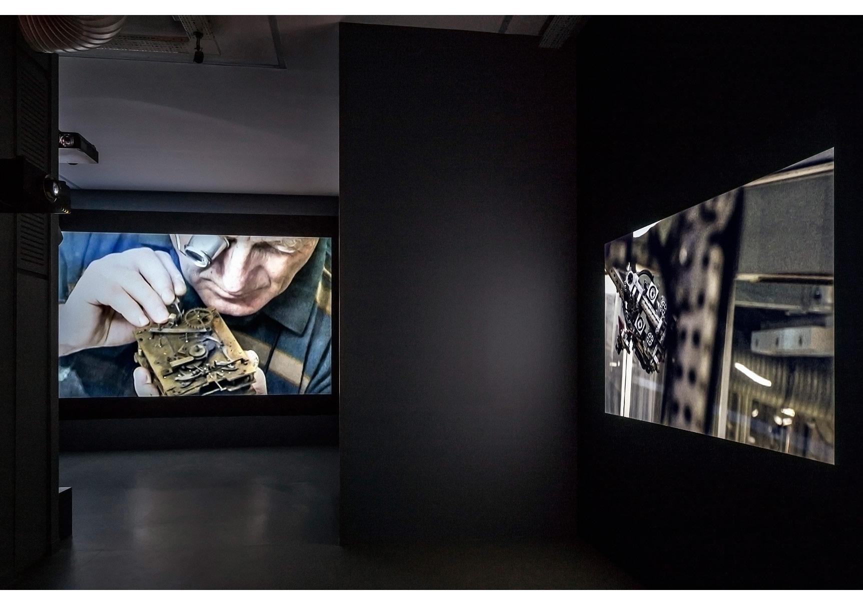 """Ali Kazma, """"zamancı"""", ARTER, 2015,Sergiden yerleştirme görüntüsü,Fotoğraf: Murat Germen"""