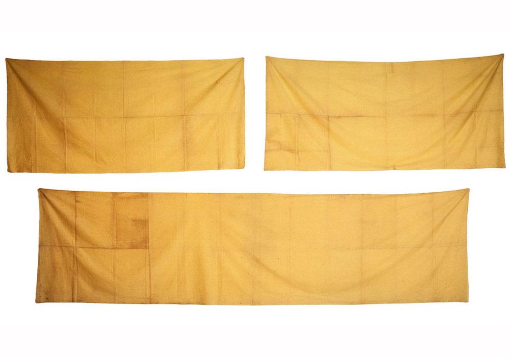 Tanaka Atsuko, İş (Sarı Elbise), 1955, 100 × 208 cm, 100 × 202 cm, and 100 × 377 cm.