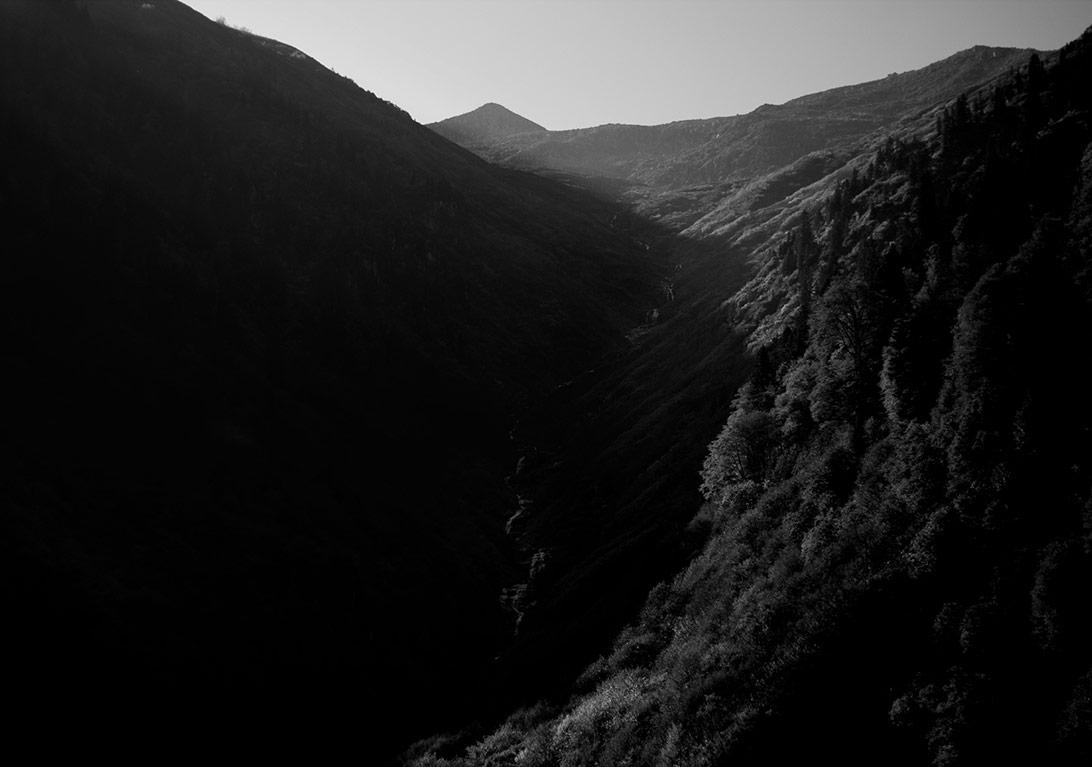 Aslı Narin, Girintiler, Inlands(noI), 2015, Aluminyum dibond üzerine, Photo Rag baskı/Photo Rag print on aluminium dibond, 70x100 cm, LowRes