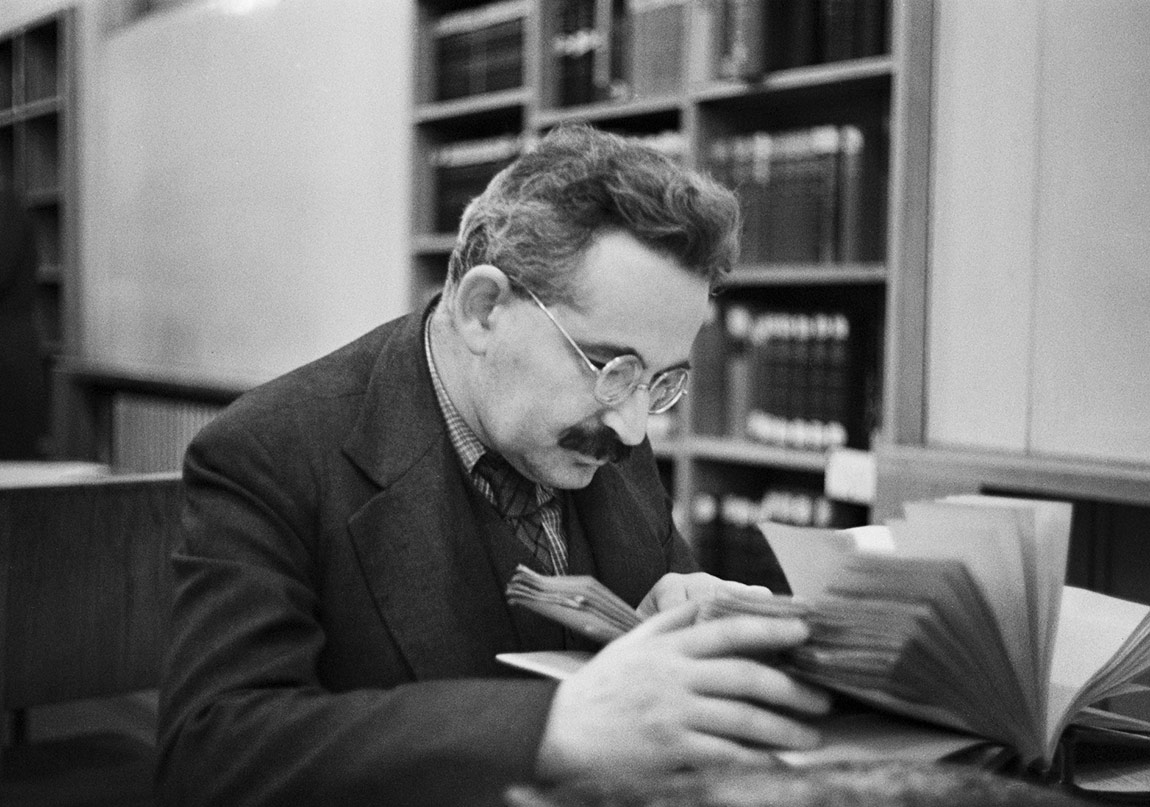 walter benjamin thesis on history This podcast is an introduction to walter benjamin's theses on the concept of history it surveys some of the key concepts deployed by benjamin in this text and provides an overview of the historical context.
