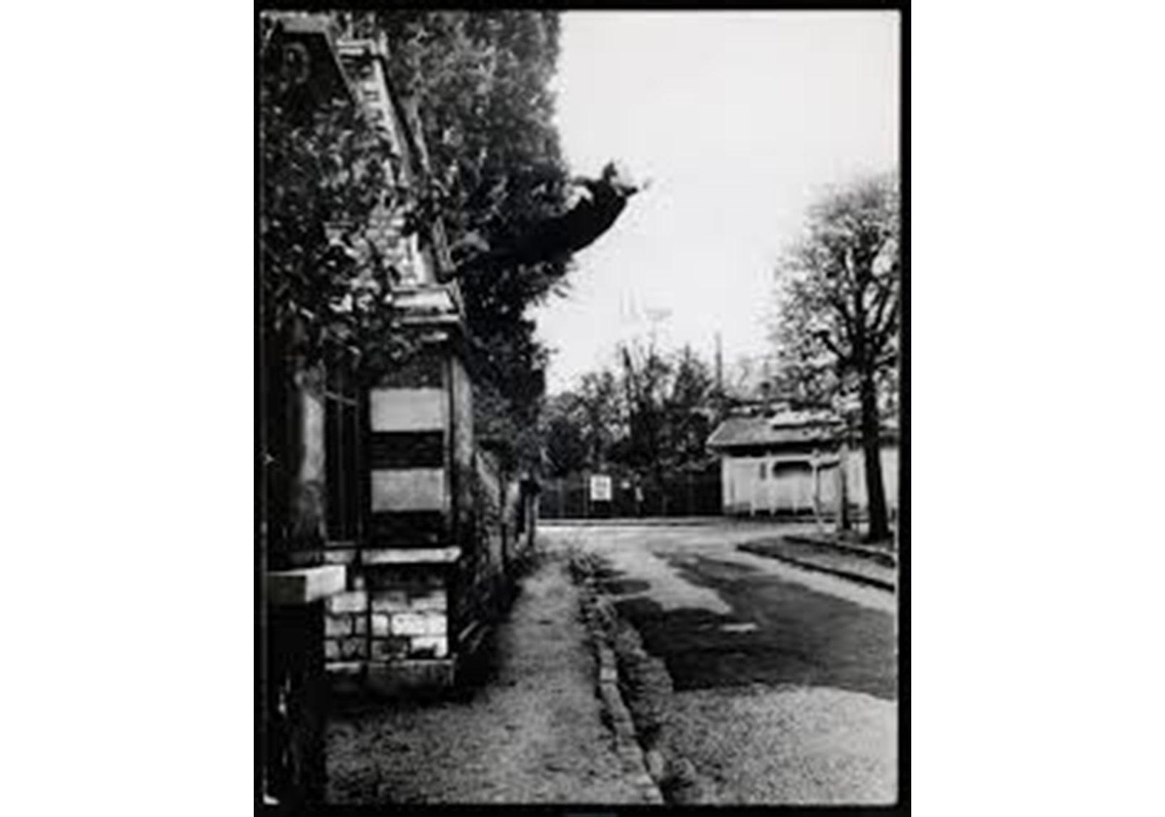 Yves Klein, Boşluğa Atlayış, 1960