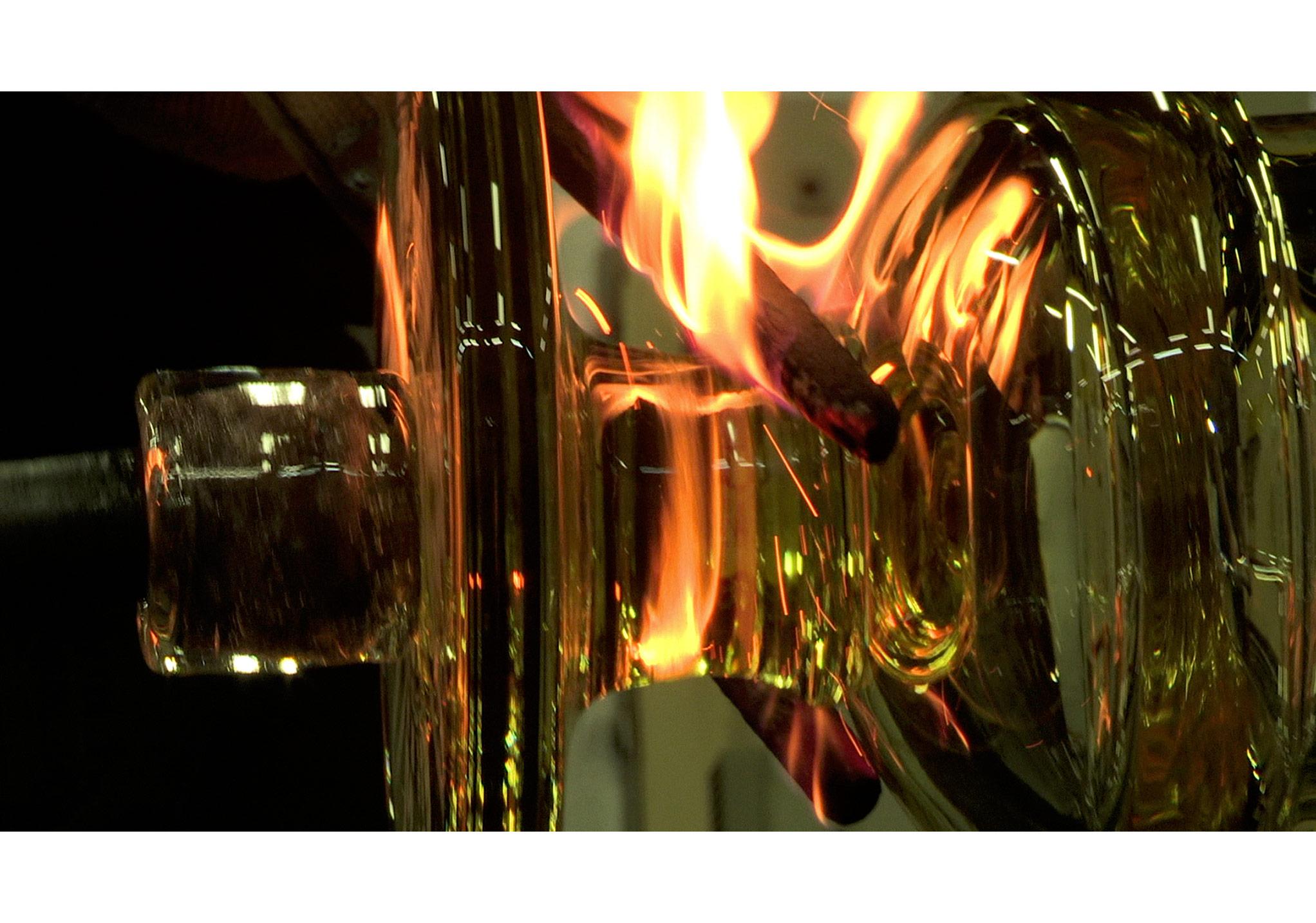 """Kristal, 2015,""""Engellemeler"""" serisinden,11',Tek kanallı video,Video karesi,Vehbi Koç Vakfı izniyle"""