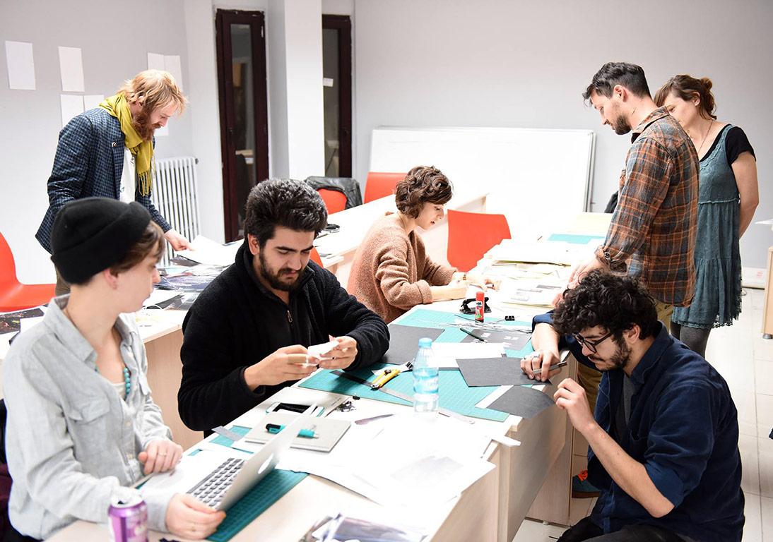 Ania Nalecka & Rafal Milach'ın yürüttüğü FUAM'ın 'Fikirden Sonuca' başlıklı ilk fotoğraf kitabı atölyesinden © FUAM ekibi