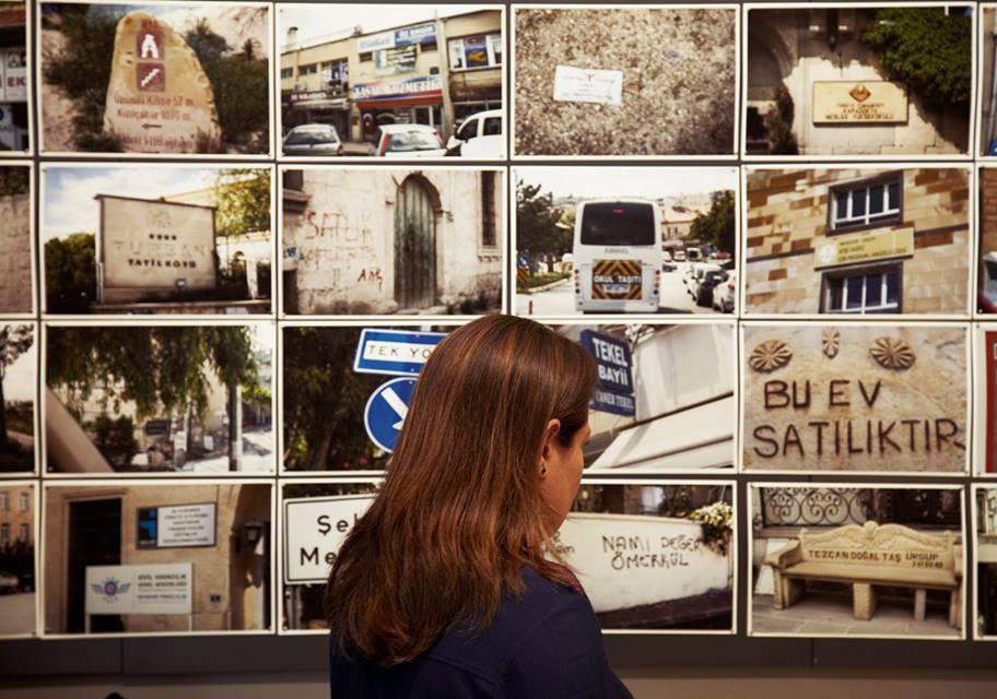 Ka Atölye'deki sergi açılışından, Rawan Husseini'nin işinden bir görünümFotoğraf: Júlia Soler