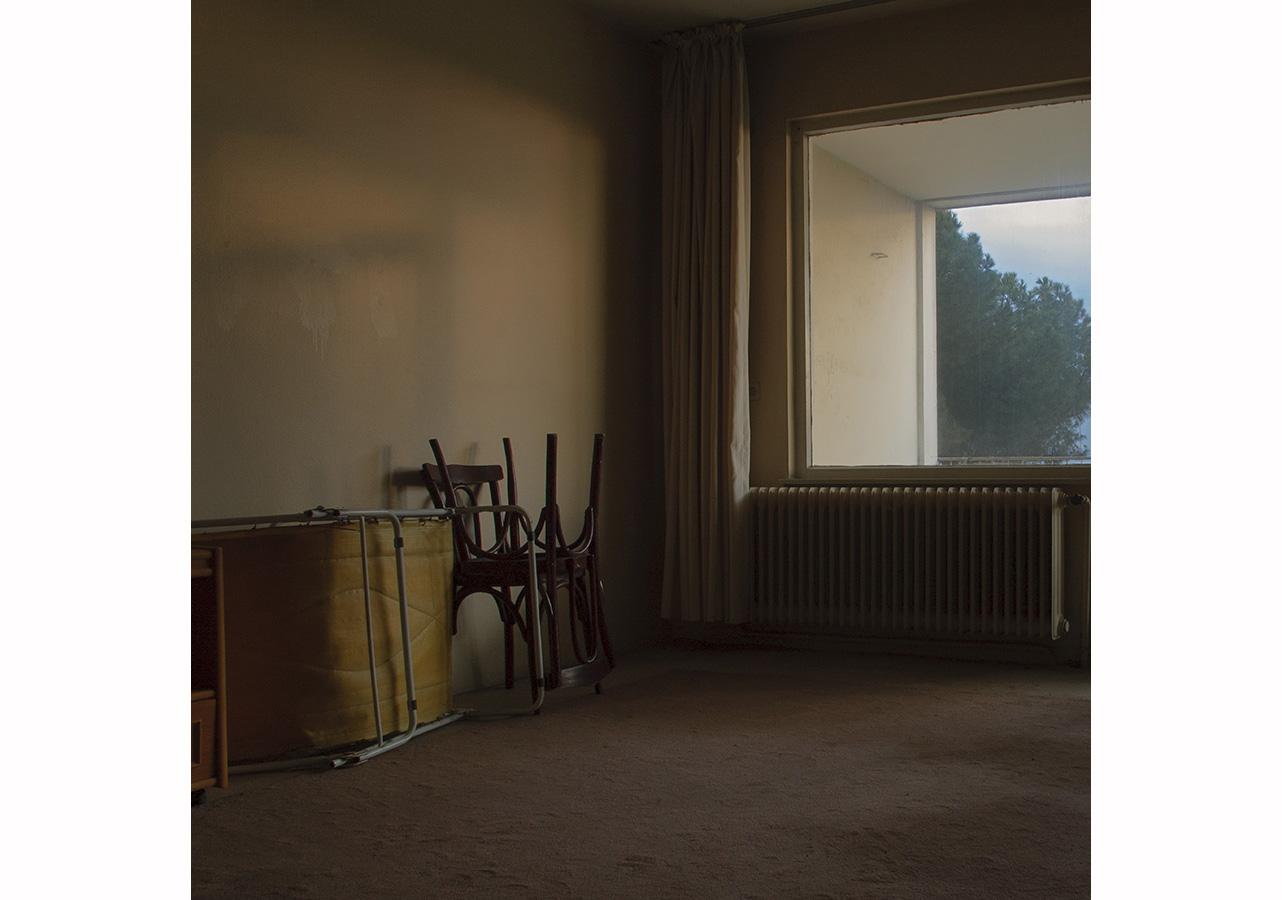 Metehan Özcan, Sahibinden Habersiz Satılık, 2008, 18x18 cm