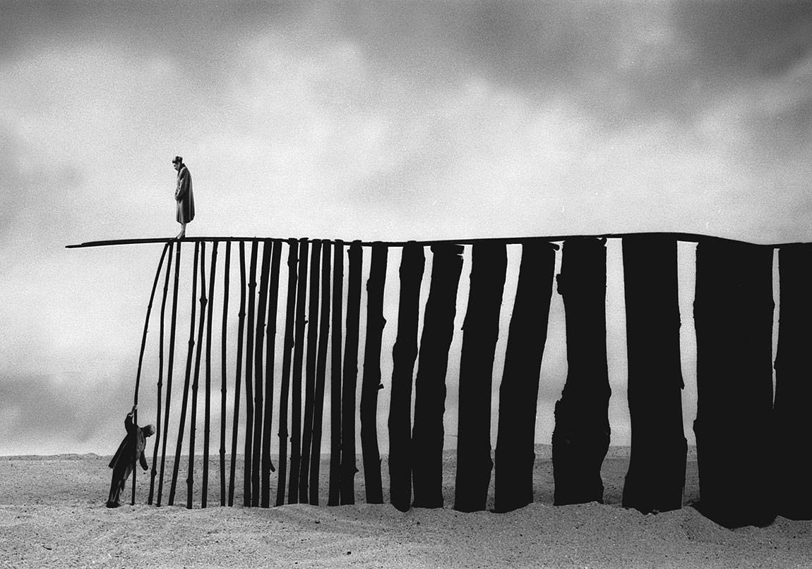 Zaman ve Yalnızlığın Absürt Hali