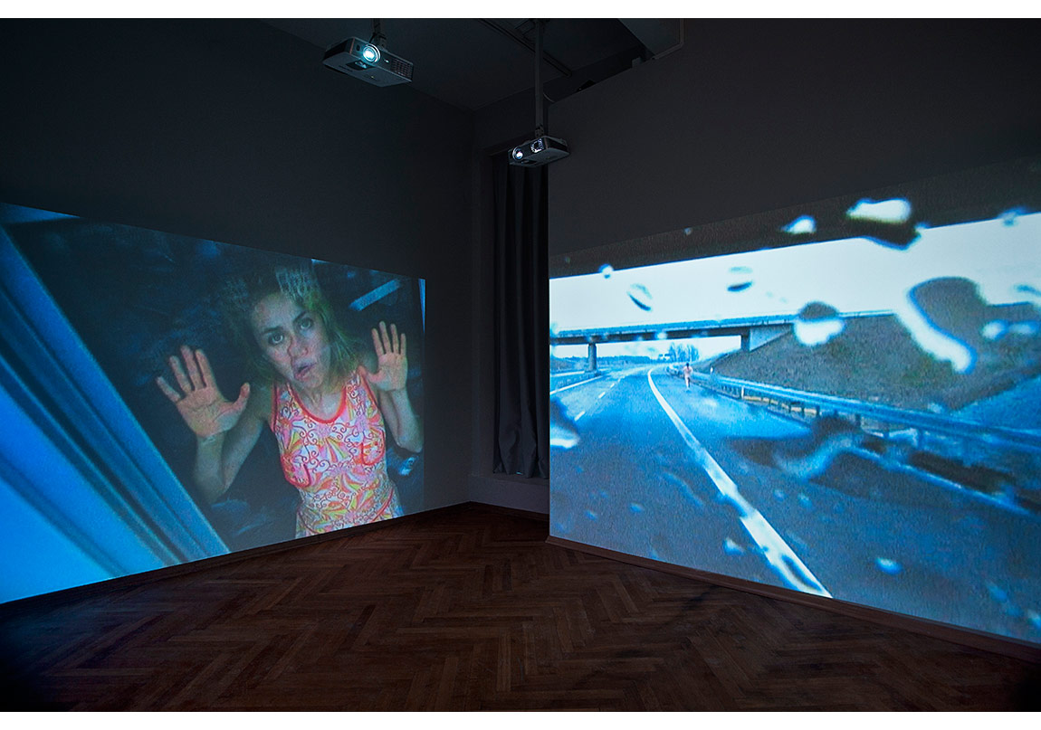 Pipilotti Rist, Cinquante Fifty (Installation for a Parking Lot), 2000, collectorspace yerleştirme görünümü, [Fotoğraf: Sevim Sancaktar]