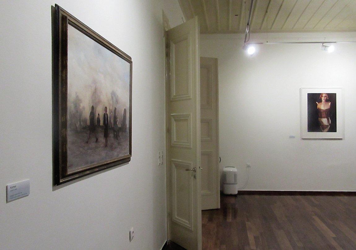 Komet. Komet 97, 1997. Oil on Canvas. 70 cm x 90 cm.Cindy Sherman. Untitled 117, 1983. Colour coupler, 113 cm x 85 cm_