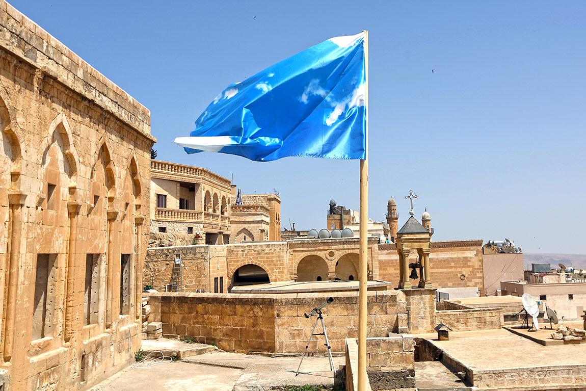 Miquel Garcia, bayrak, yerleştirme