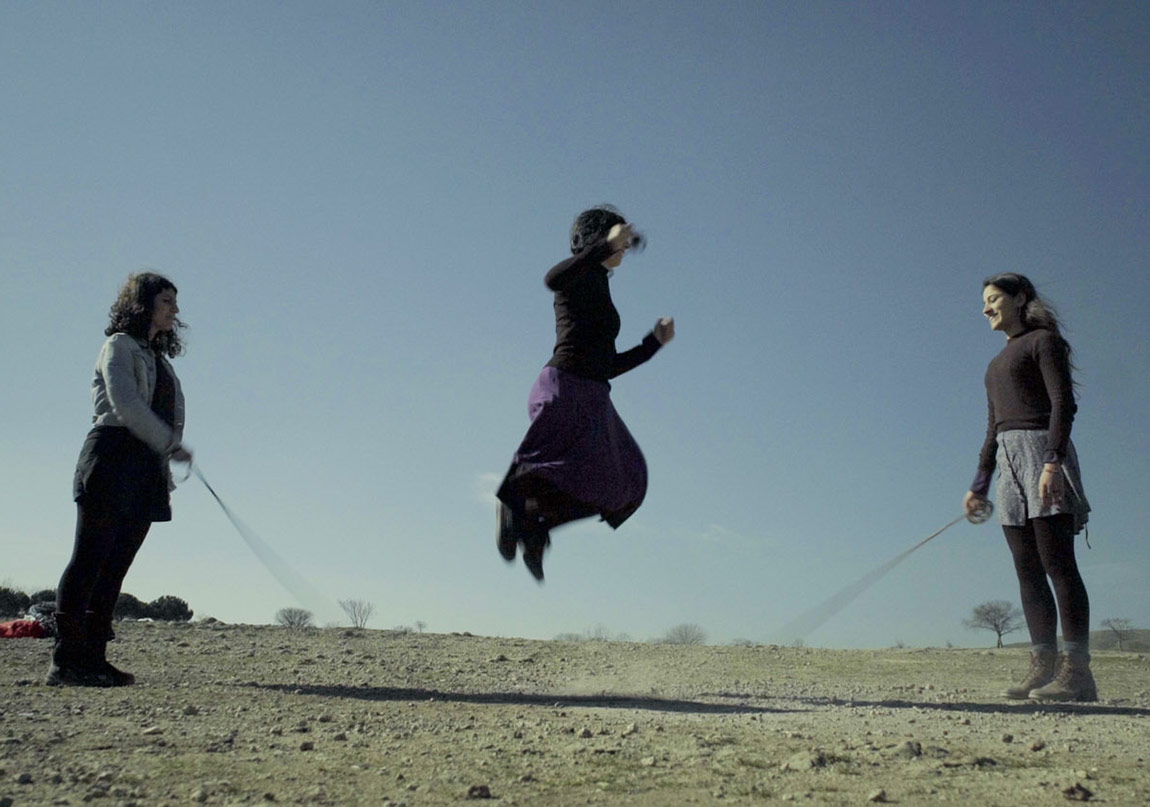 Şener Özmenİp Atlayan Kadınlar | Women Jumping Rope2016HD video, renkli, sesli | colour, sound, 4'23''Video karesi | Video still