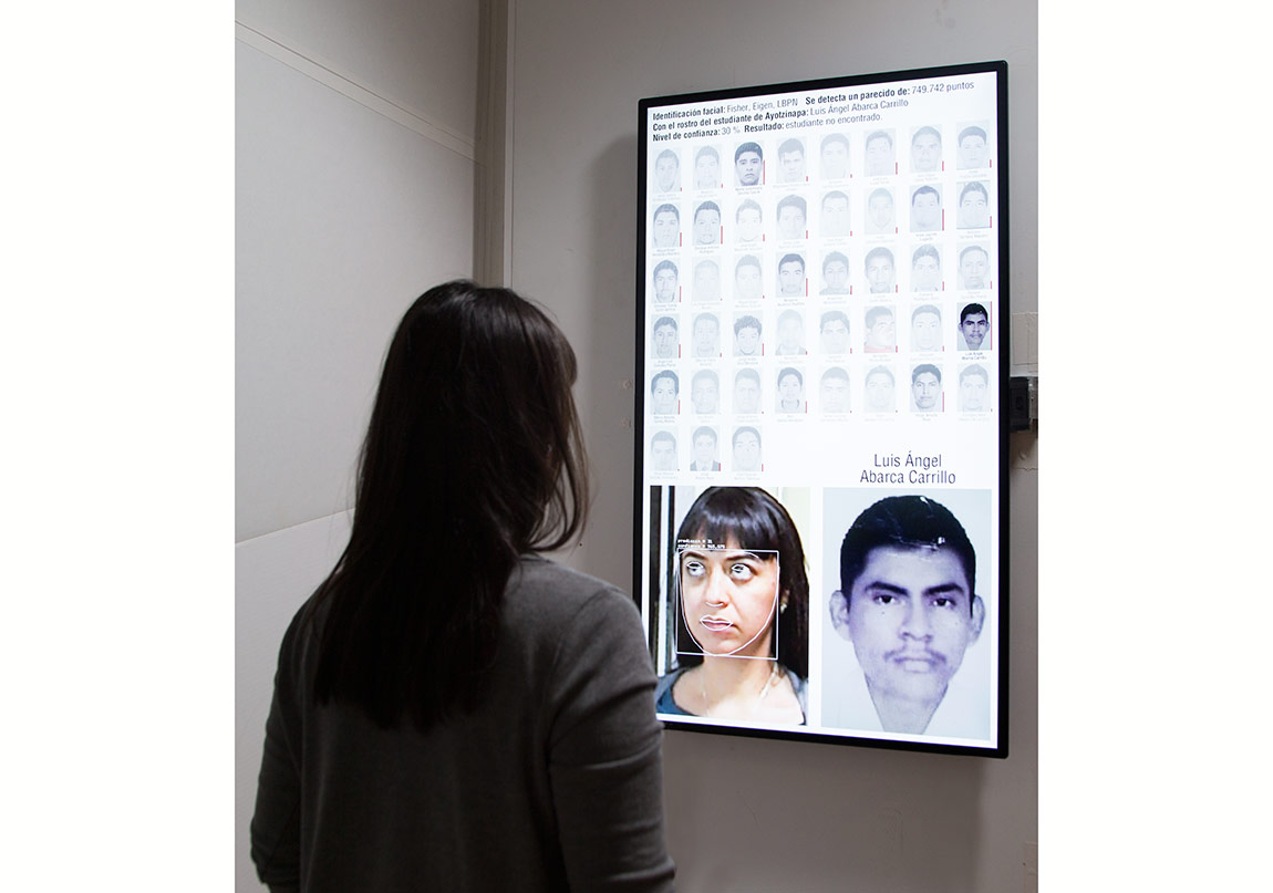 "Rafael Lozano-Hemmer, ""Level of Confidence"", 2015.Gösterildiği yer: Montréal, Québec, Canada.Fotoğraf: Antimodular Research.Para información en Español, favor de descargar este documento en PDF."